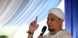 Ustadz Arifin Ilham.