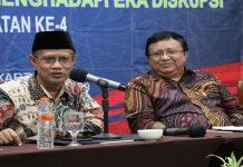 Ketua Umum Pimpinan Pusat Muhammadiyah Haedar Nashir (kiri).