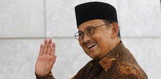 Bacharuddin Jusuf Habibie.